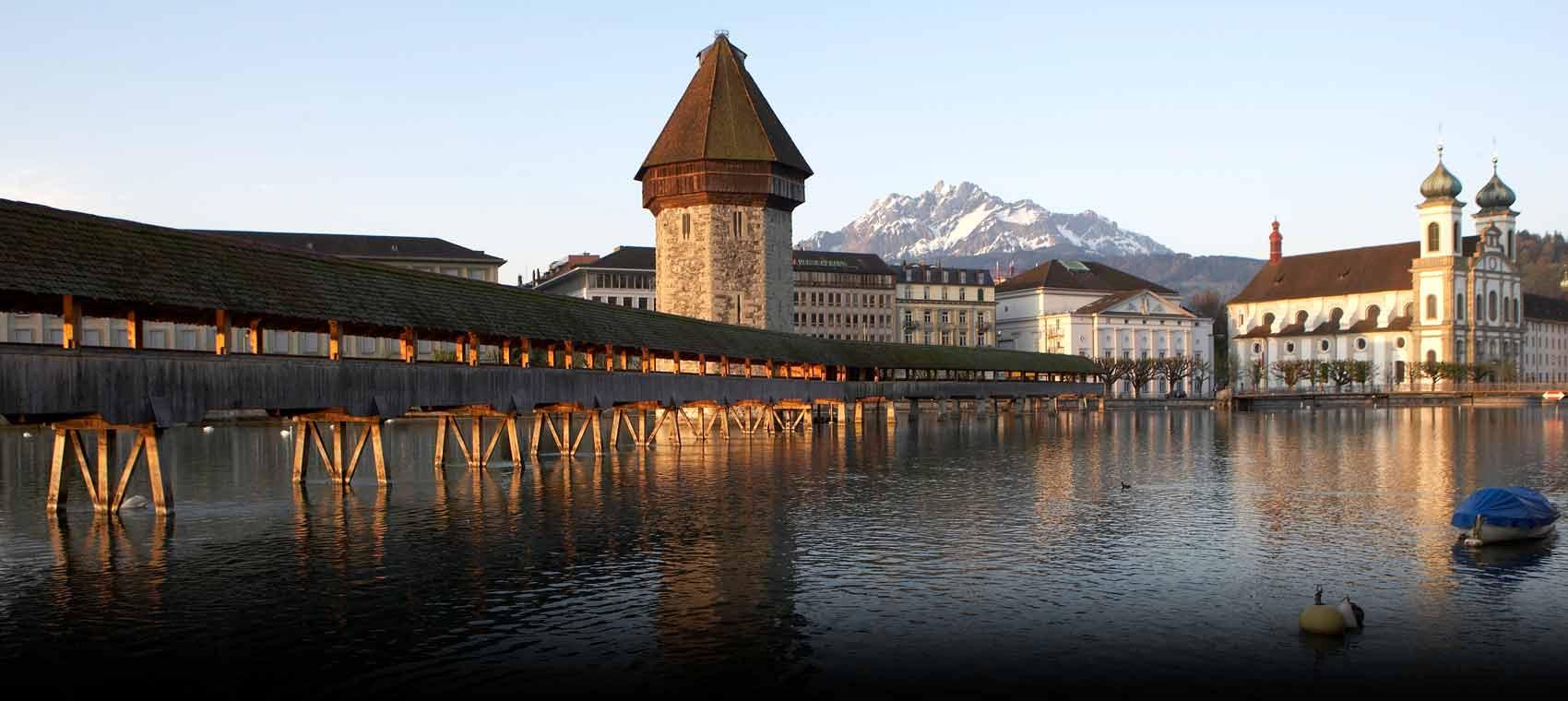 Chapel Bridge, Lucerne, Switzerland  № 1473303  скачать